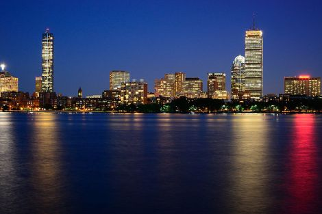 800px-Boston_Night