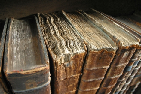 Old_book_bindings 650